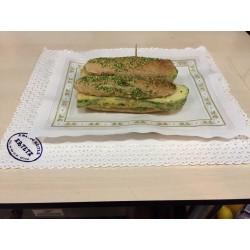 MINI bocata pan de cereales con calabacin albardado relleno de iberico y queso